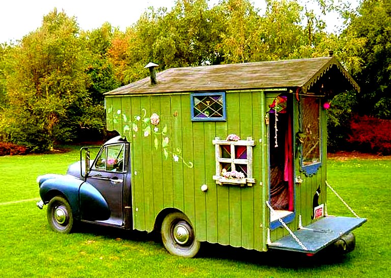 A tiny home on wheels, they don't come much cuter than this... a little morris minor from the late 1950's or early 60's just one of the many amazing housetrucks to be found in corners around nz...