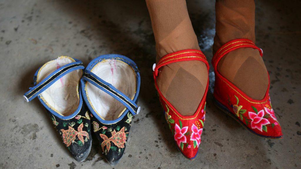 American Foot Binding
