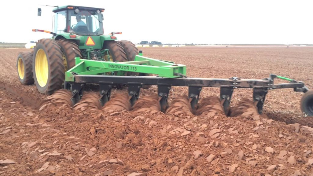 John Deere Side X Side >> The No-Till Gardening Revolution: Why Farmers are Putting Down Their Plows